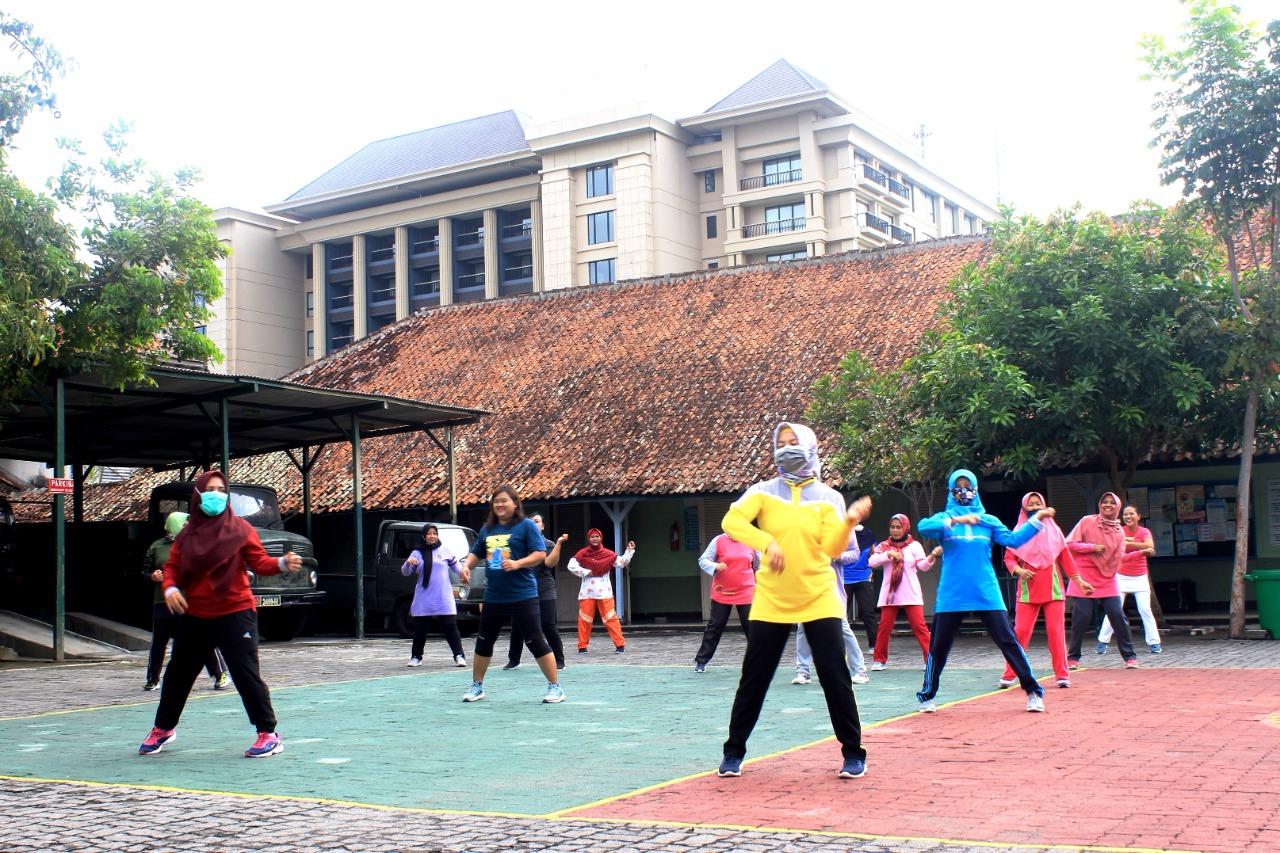 Tingkatkan Immunitas Ibu-ibu,Persit KCK Cab. XXXIV Kodim 0734/Kota YogyakartaSenam Bersama