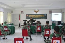 Anggota Kodim 0734/Kota Yogyakarta Menerima Binroh Dan Bintalidjuang Dari Bintaldam IV/Diponegoro