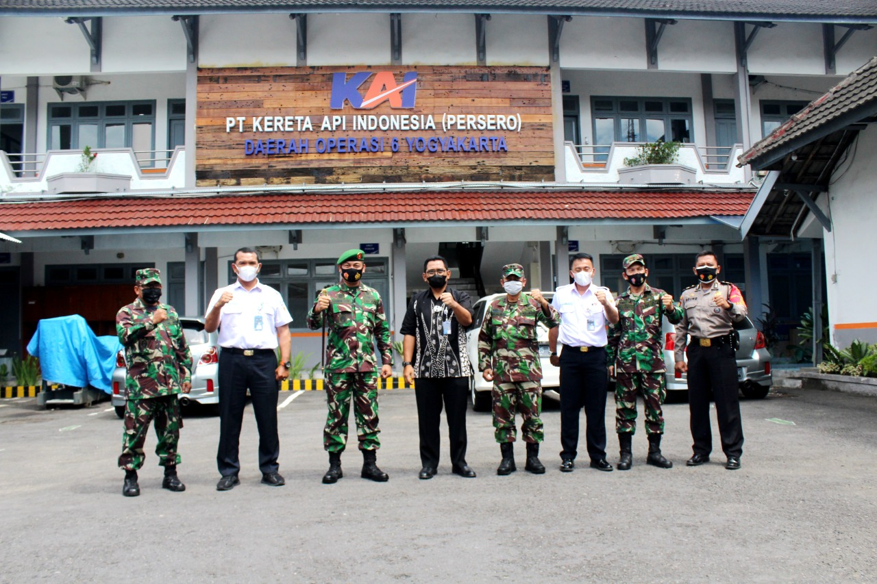 Perkuat Sinergitas, Dandim Kota Jogja Kunjungi PT KAI DAOP 6 Yogyakarta